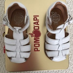 Baby girls Pom D'Api white sandals - size 19